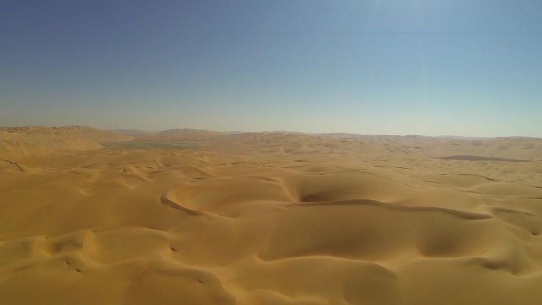 """Denis Villeneuve explained why he filmed """"Dune"""" in the hottest months in the UAE desert"""