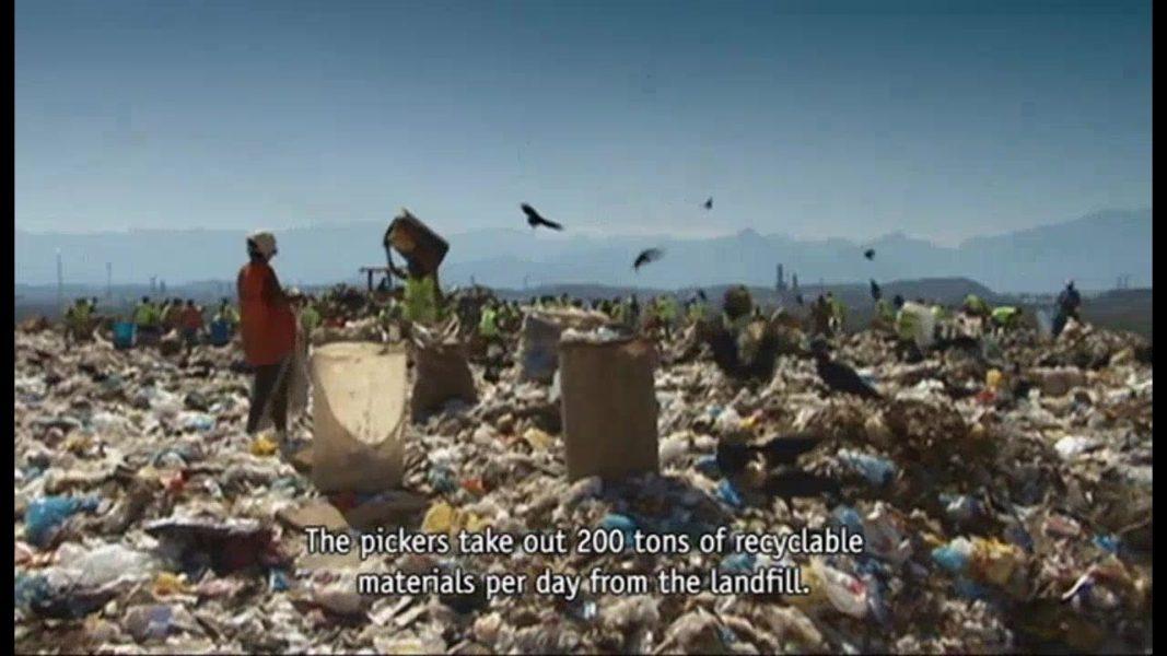 """""""Waste Land"""" documentary (2010, Brazil, UK)"""